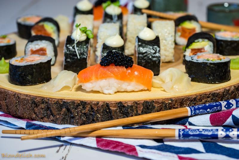 Salmon & Caviar Sushi