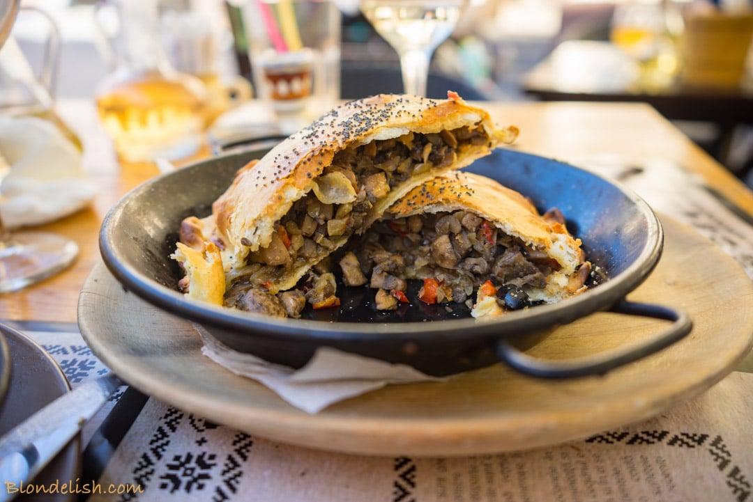 Mushroom pie, romanian food