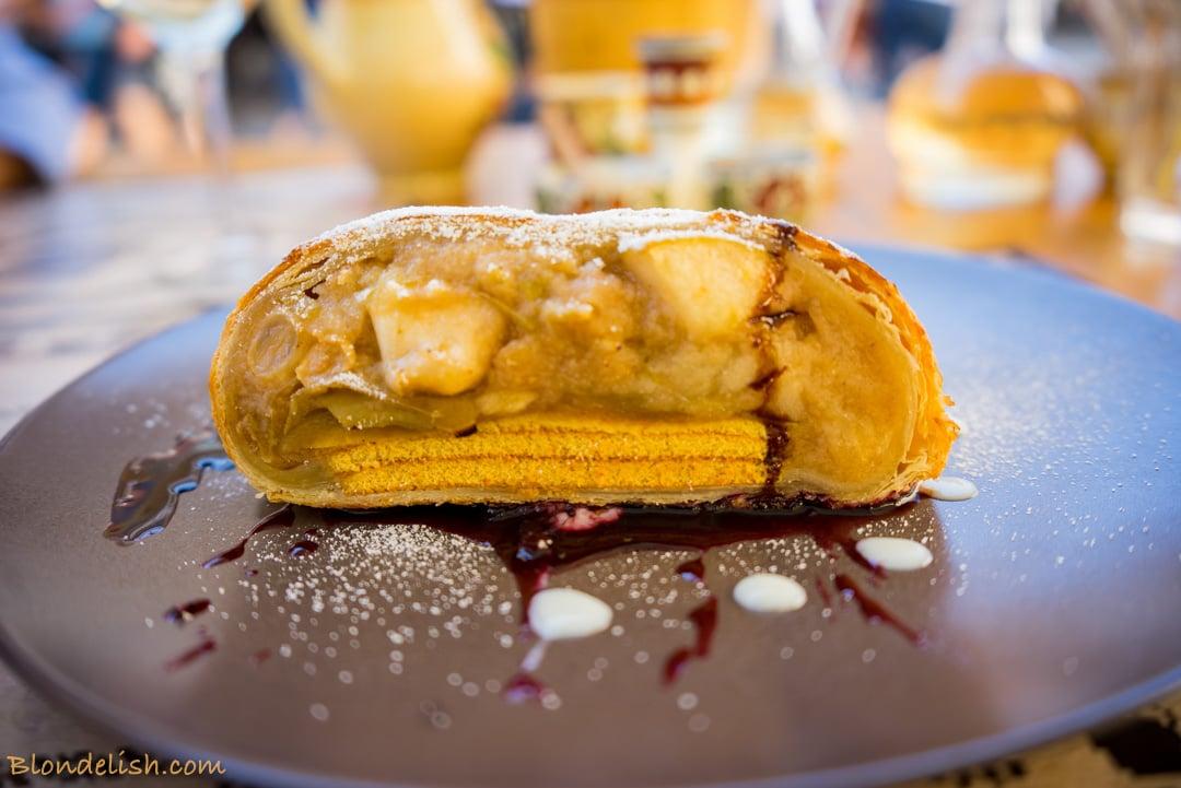 Apple dessert strudel