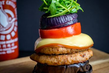 Low carb burger , delicious healthy recipe by Blondelish