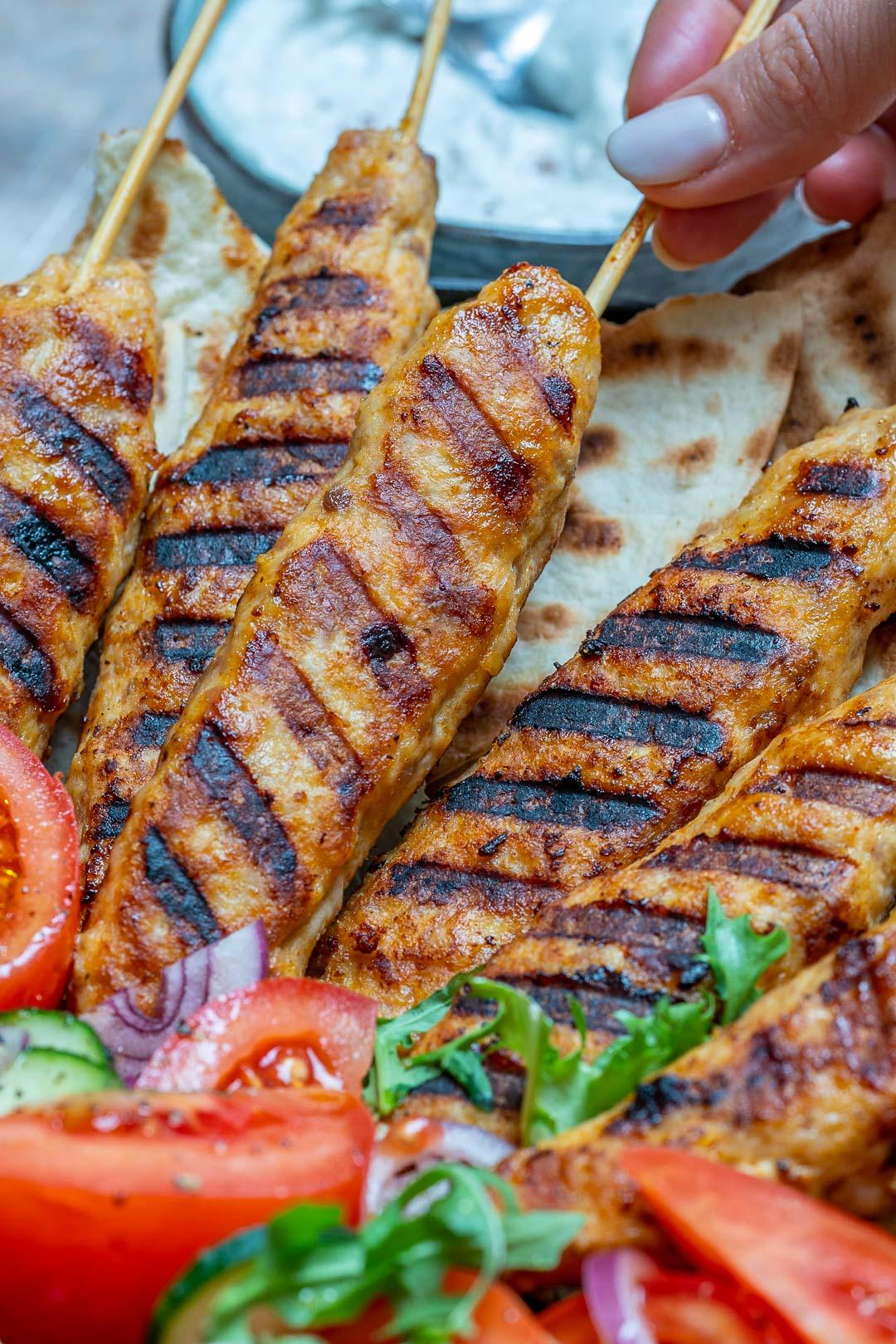 Kebab De Curcan Cu Sos De Iaurt Si Sumac 2