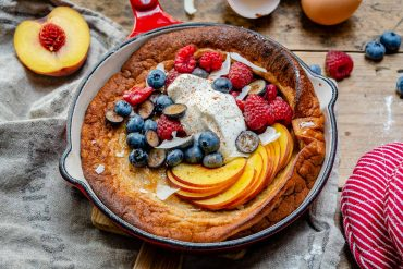 Easy Dutch Baby Pancake Recipe-3