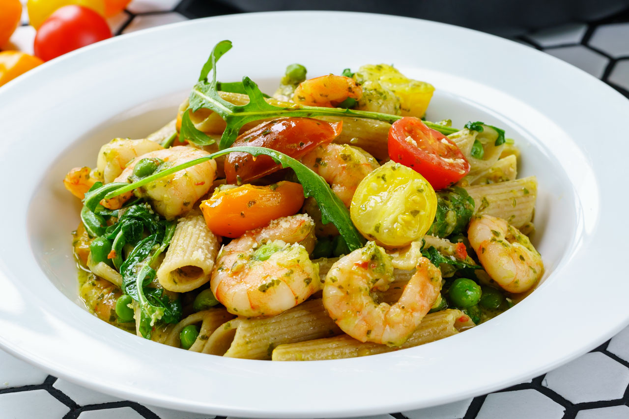 Shrimp Pasta Recipe, with pesto and cherry tomatoes - Healthy & Tasty Recipes 4
