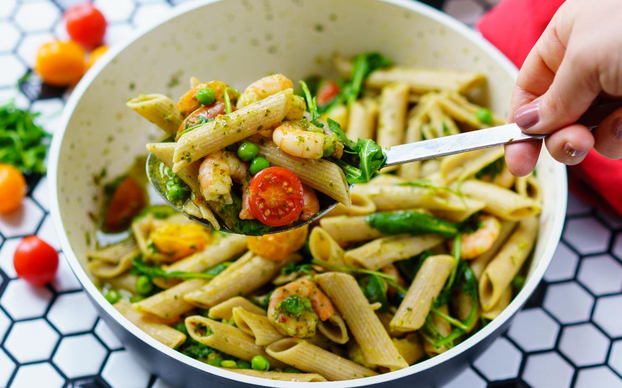 Shrimp Pasta Recipe, with pesto and cherry tomatoes - Healthy & Tasty Recipes 1