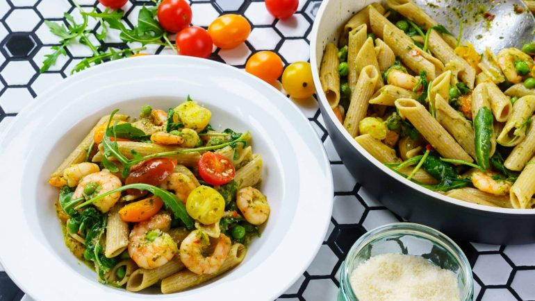 Shrimp Pasta Recipe, with pesto and cherry tomatoes - Healthy & Tasty Recipes 6