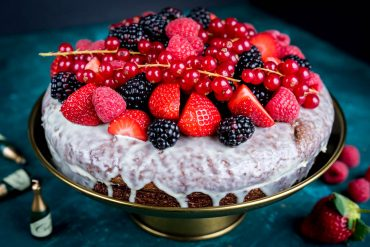 Chocolate cake recipe with berries