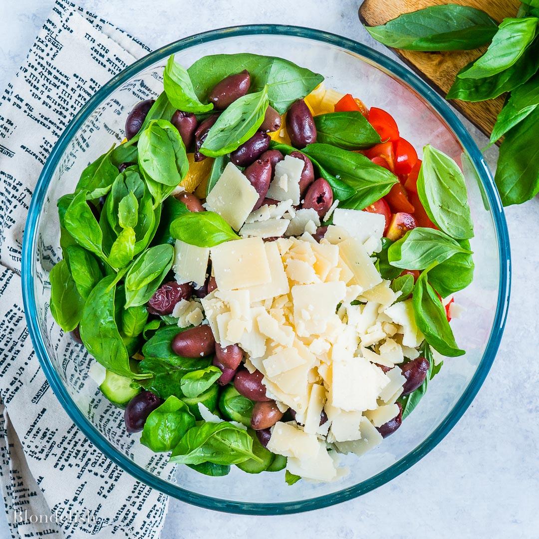 Healthy and Easy Mediterranean Pasta Salad Recipe 4