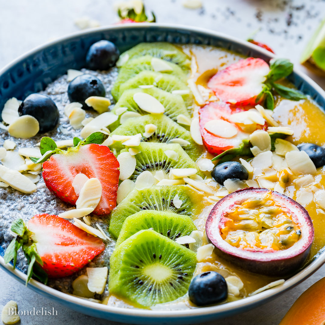 Budinca cu Seminte de Chia si Fructe 12