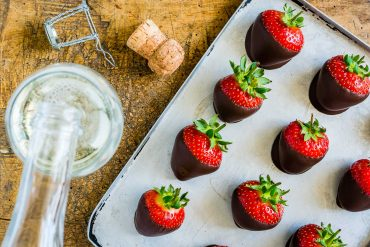 How To make Chocolate Covered Strawberries easy-20