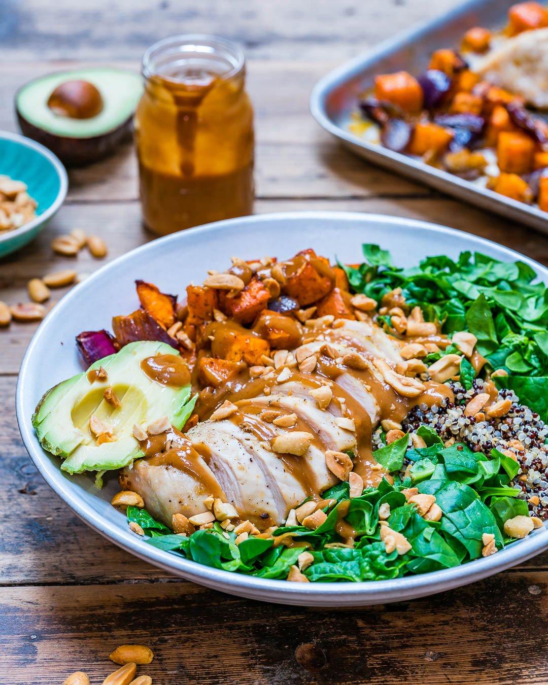 Salata De Pui Cu Legume La Cuptor si Quinoa - Reteta Video 4