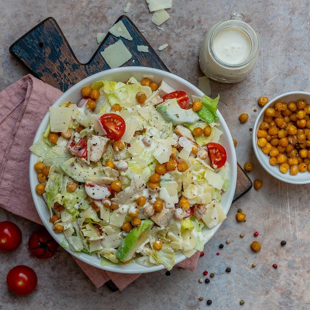 Salata Caesar Cu Pui Si Naut Crocant - Reteta Video 1