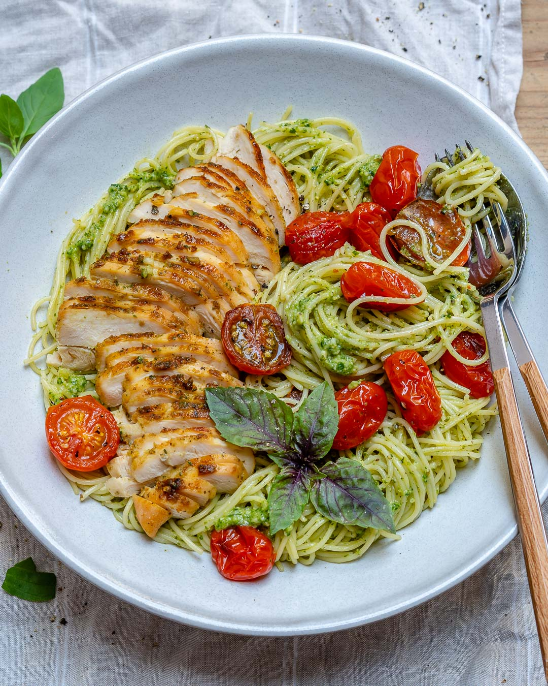 Healthy & Easy Chicken Pesto Pasta With Tomatoes Recipe-11