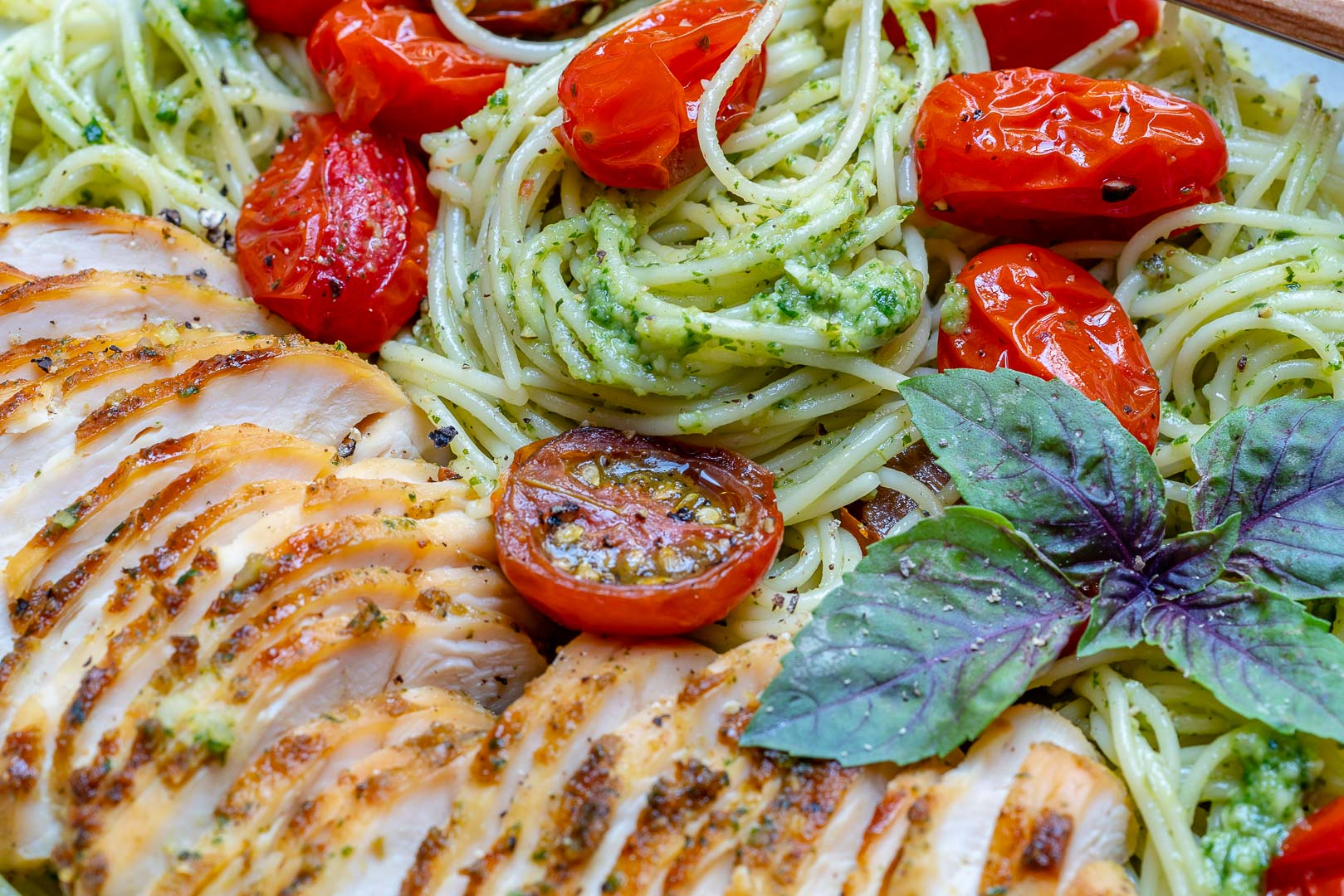 Healthy & Easy Chicken Pesto Pasta With Tomatoes Recipe-23