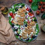 Reteta de Salata Greceasca Cu Piept De Pui La Gratar