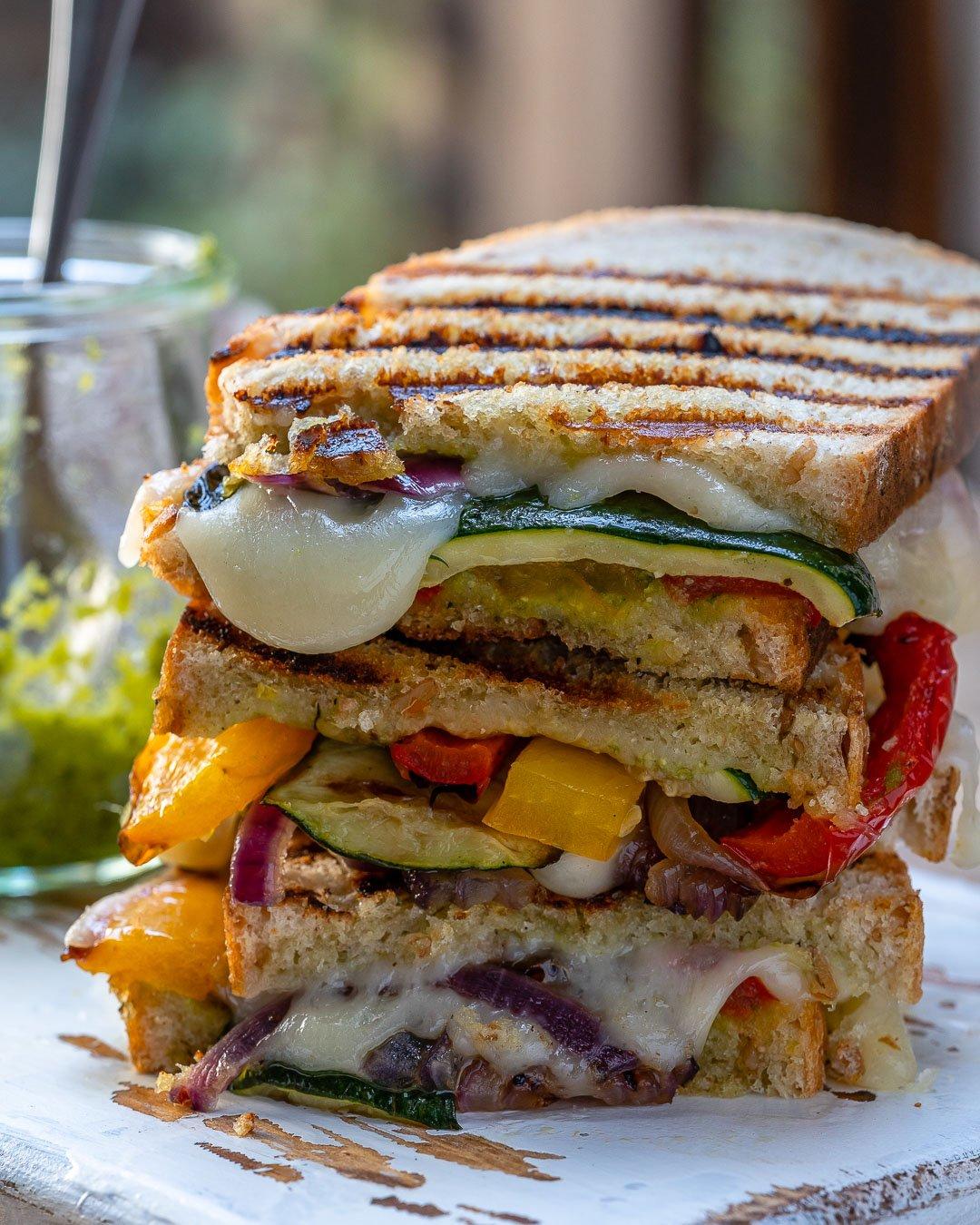 Sandwich Cu Branza Si Legume La Gratar 4