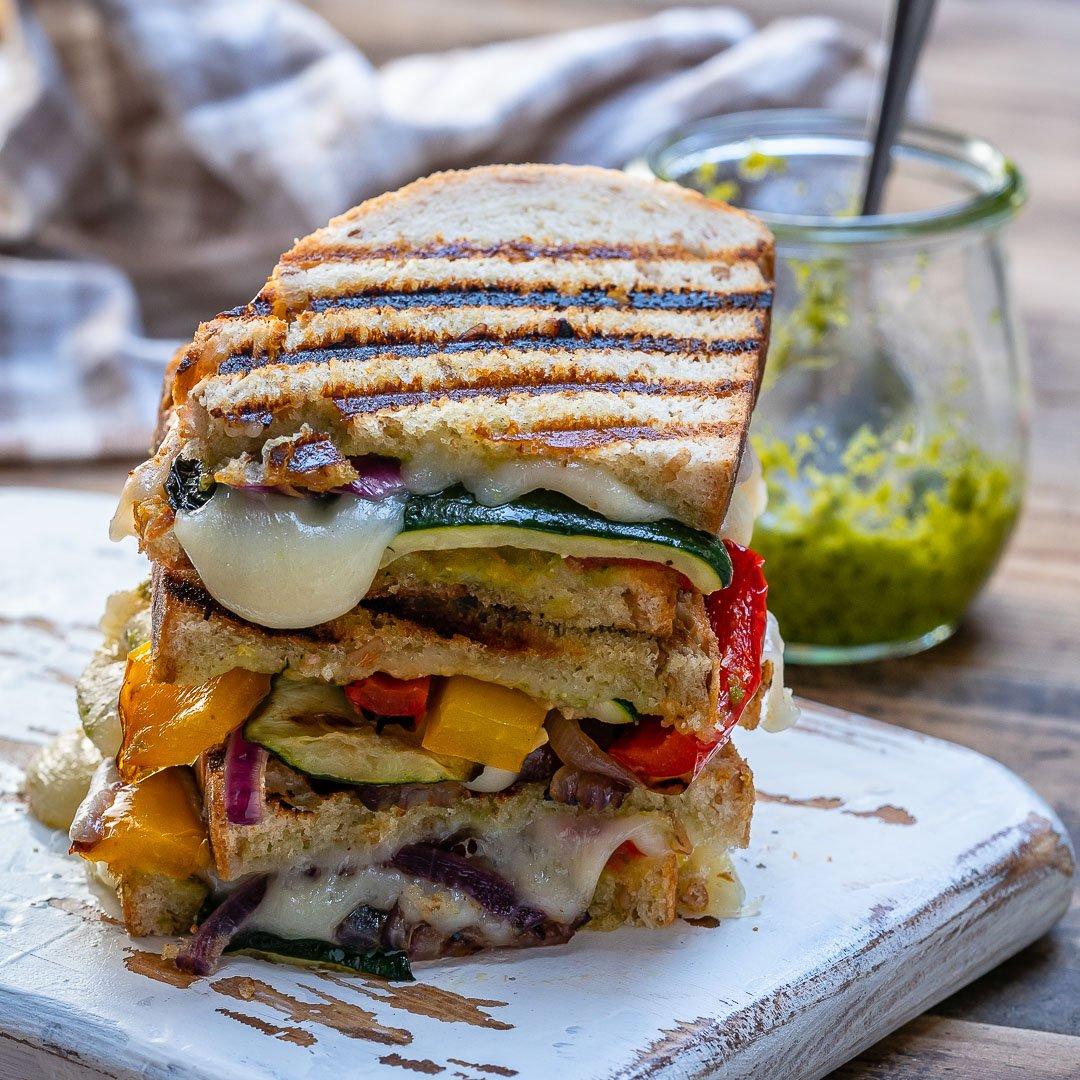 Sandwich Cu Branza Si Legume La Gratar 5