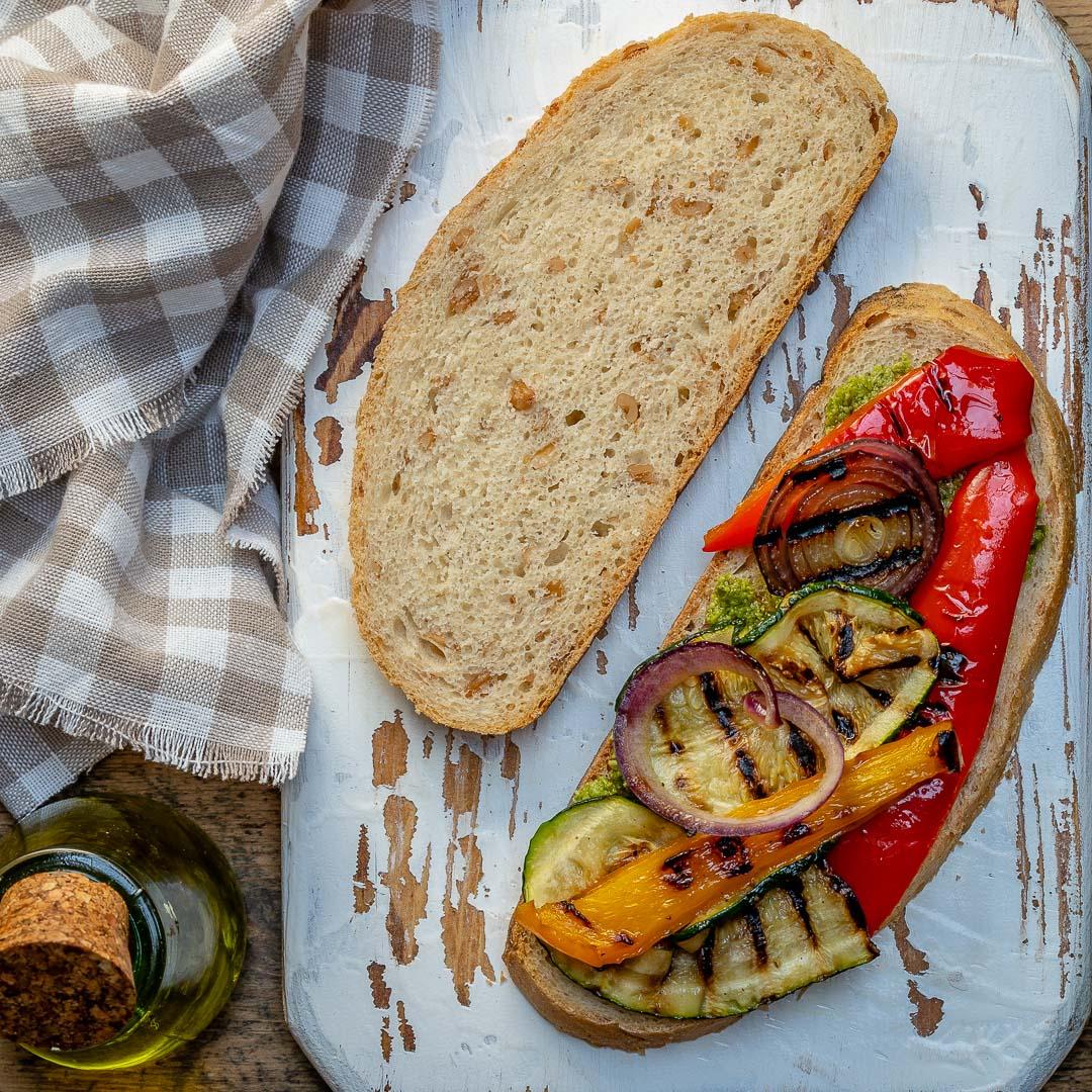 Sandwich Cu Branza Si Legume La Gratar 1