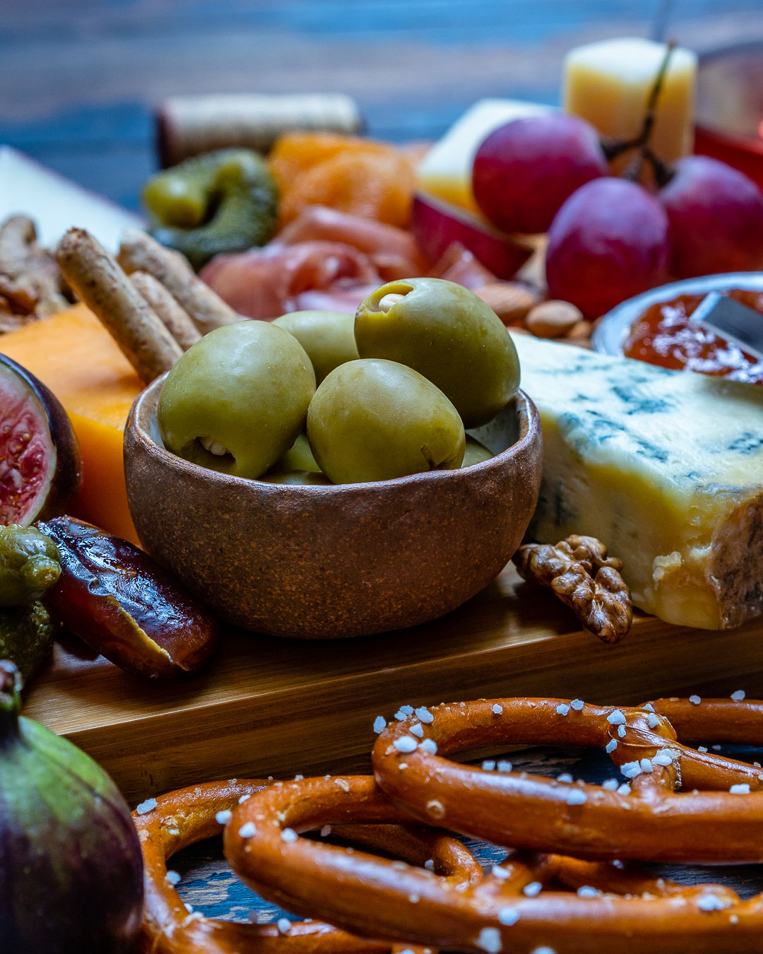How to Make The Best Charcuterie And Cheese Platter For The Holidays-12