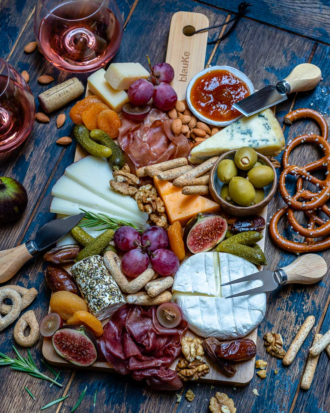 How to Make The Best Charcuterie And Cheese Platter For The Holidays-16