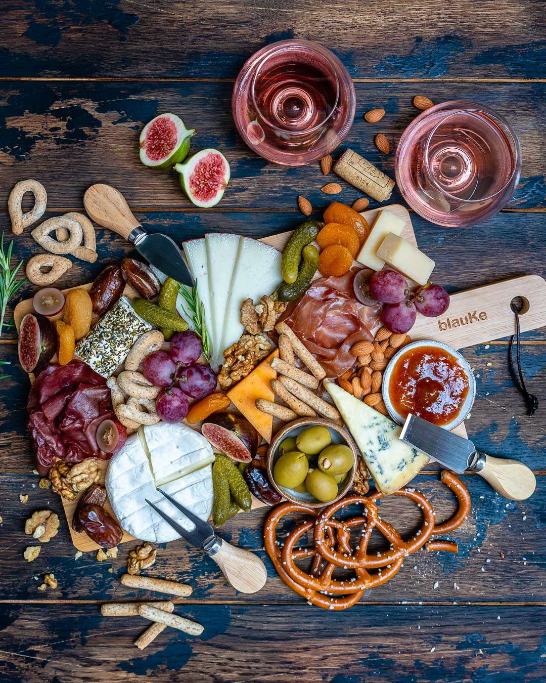 How to Make The Best Charcuterie And Cheese Platter For The Holidays-5