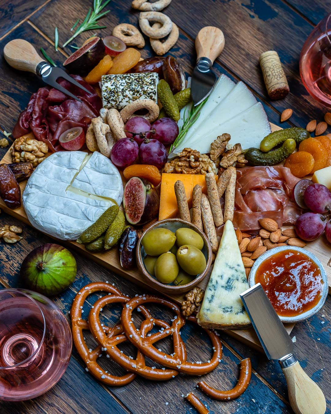 How to Make The Best Charcuterie And Cheese Platter For The Holidays-8