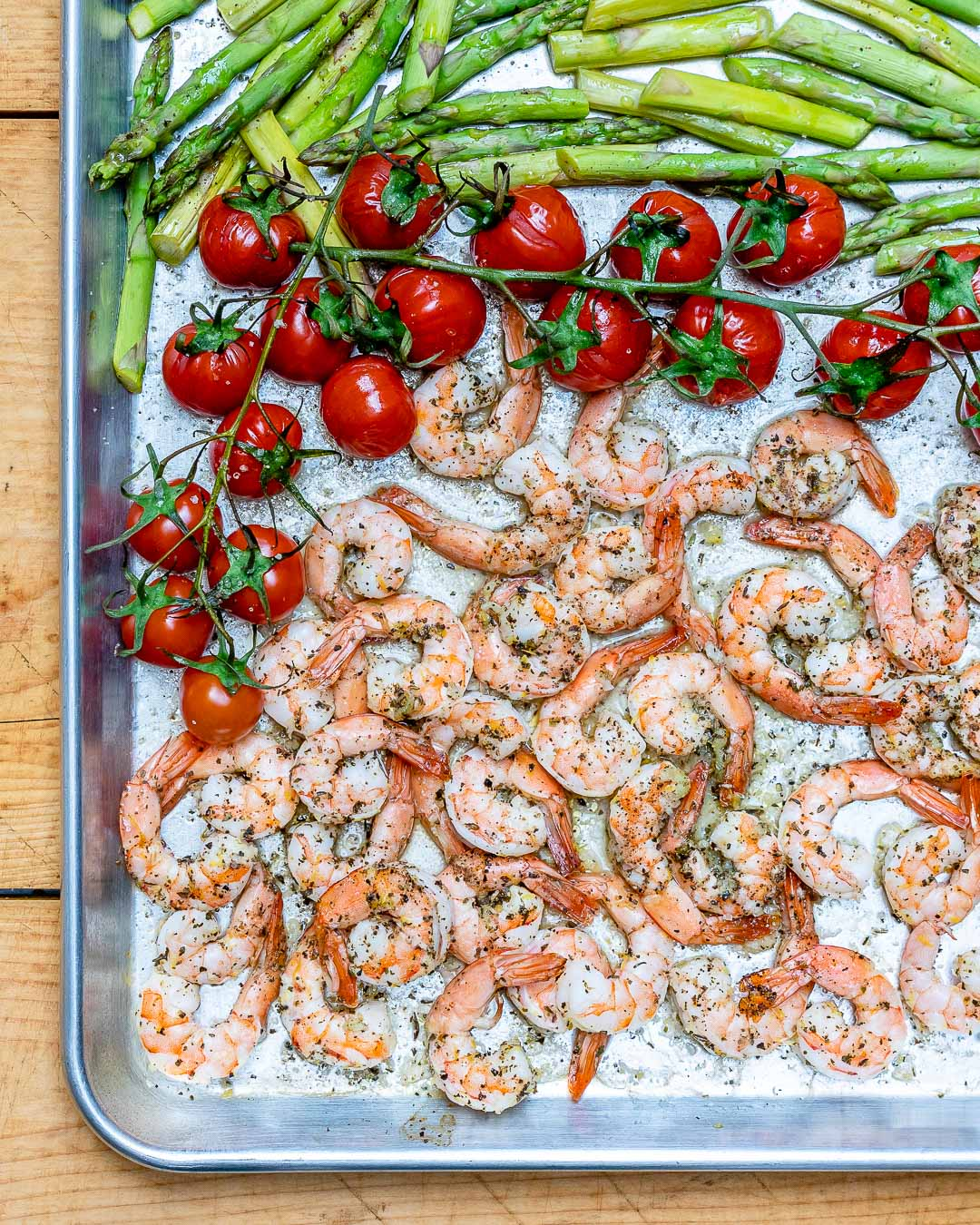 Baked Lemon Garlic Butter Shrimp And Asparagus - Recipe Video