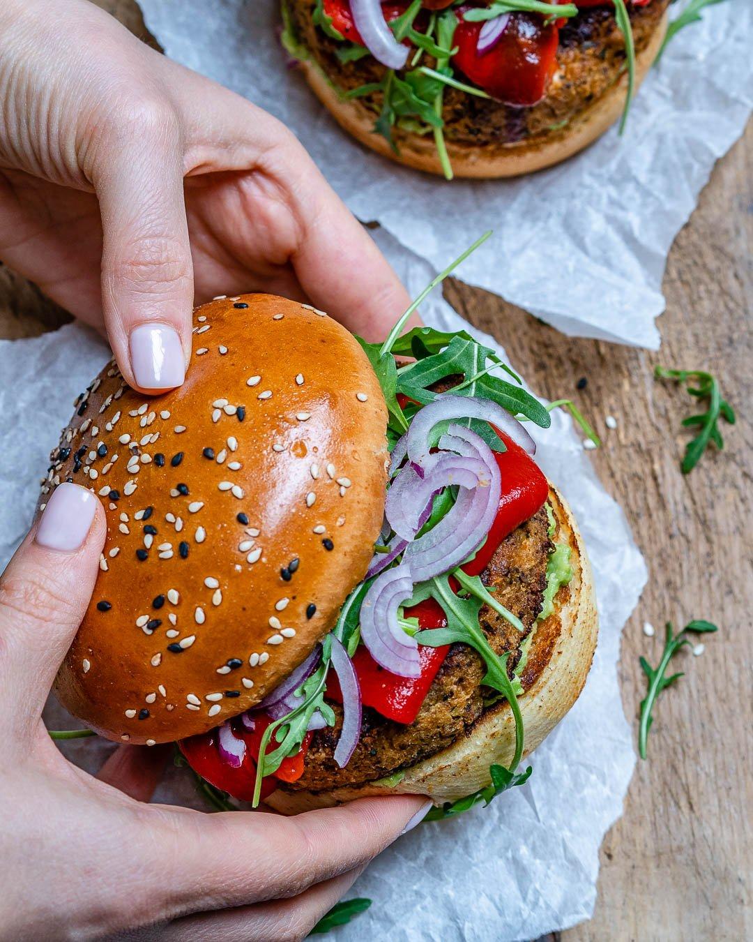 Reteta de Burger Vegan Cu Conopida Si Avocado 6