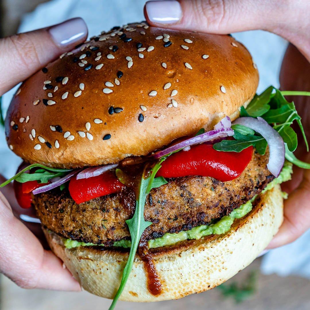 Reteta de Burger Vegan Cu Conopida Si Avocado 7