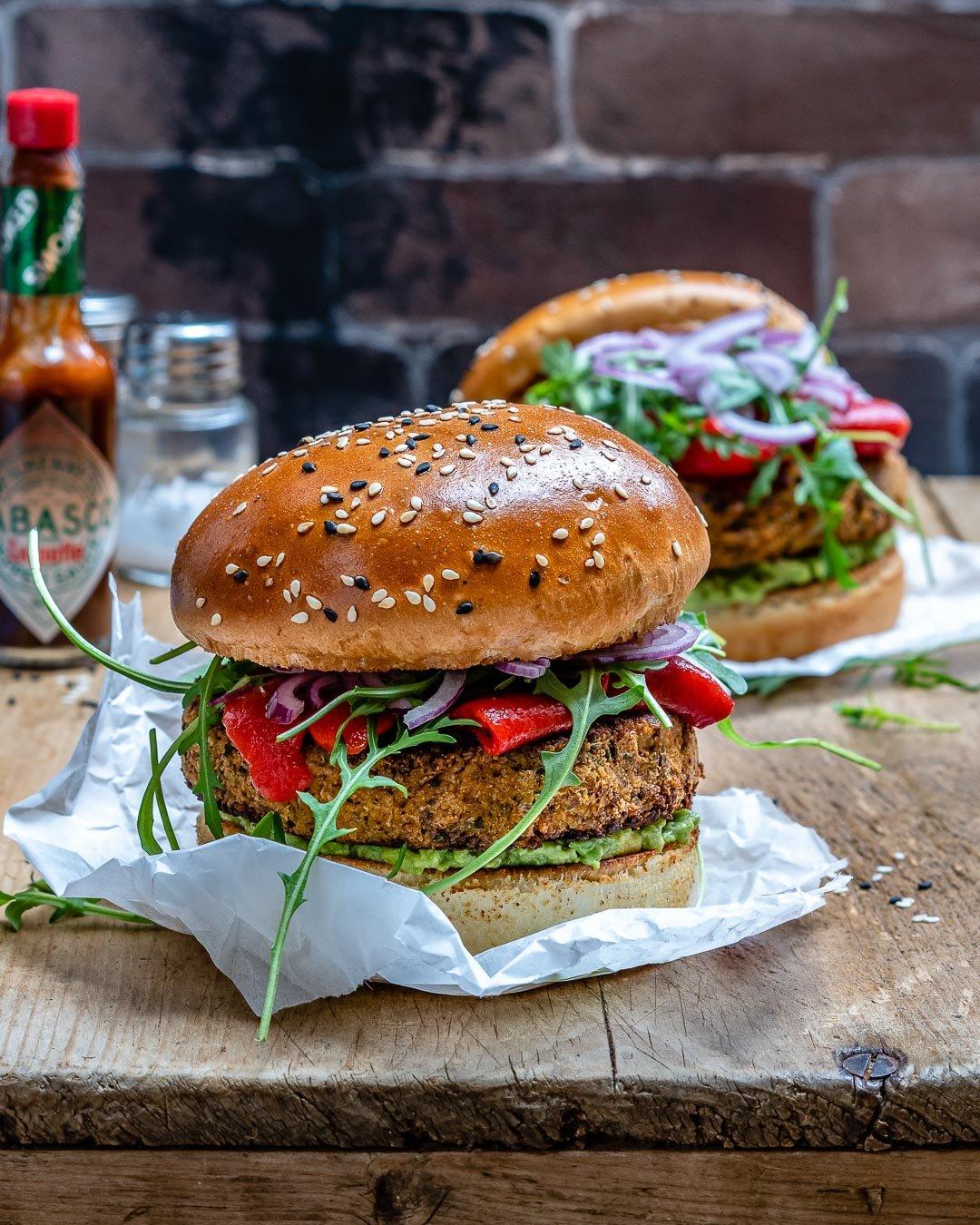 Reteta de Burger Vegan Cu Conopida Si Avocado