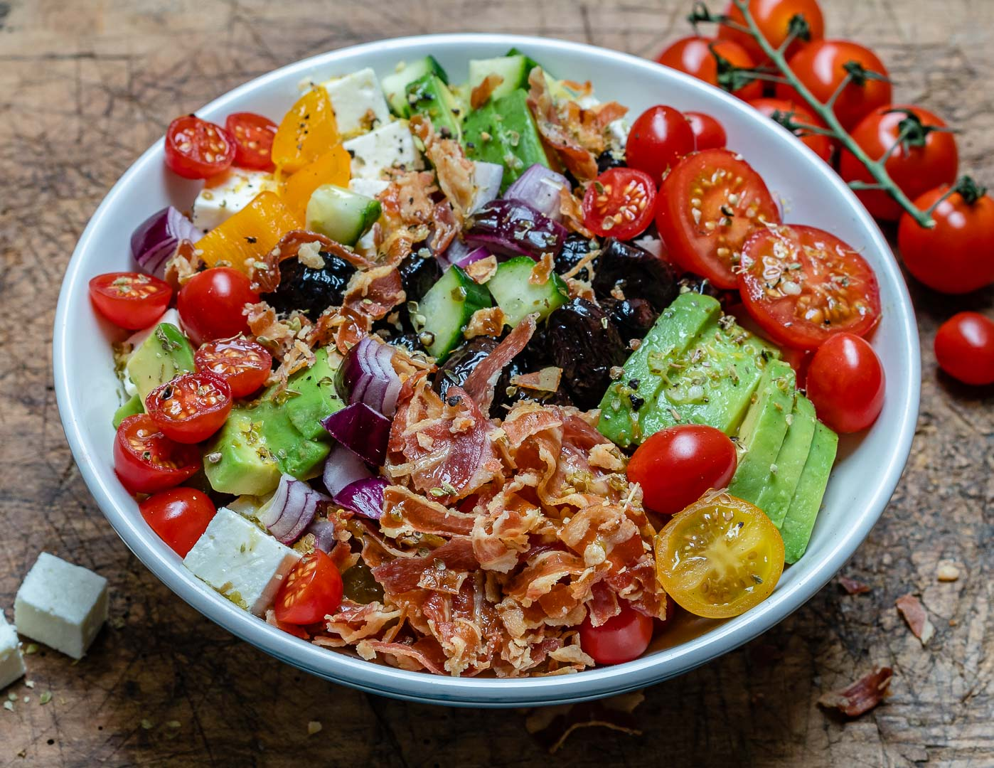 Salata Greceasca Cu Bacon Si Avocado - Reteta Keto 6