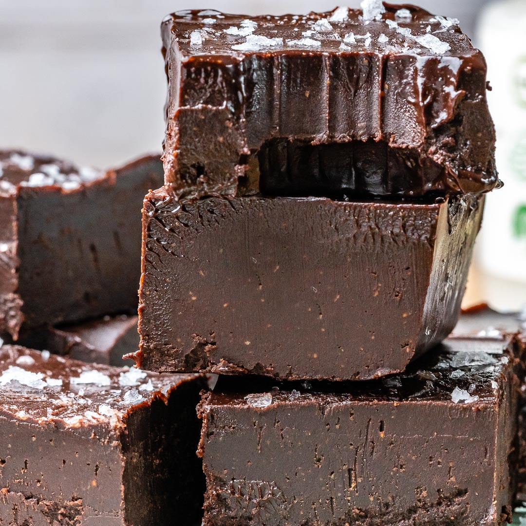 Easy Chocolate Fudge Recipe (Vegan & Paleo)-10