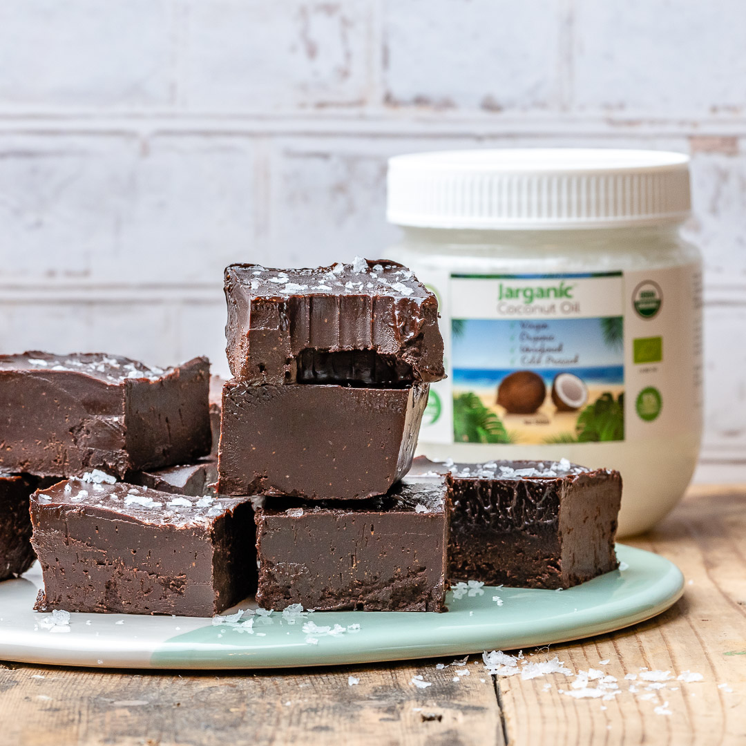 Easy Chocolate Fudge Recipe (Vegan & Paleo)-18