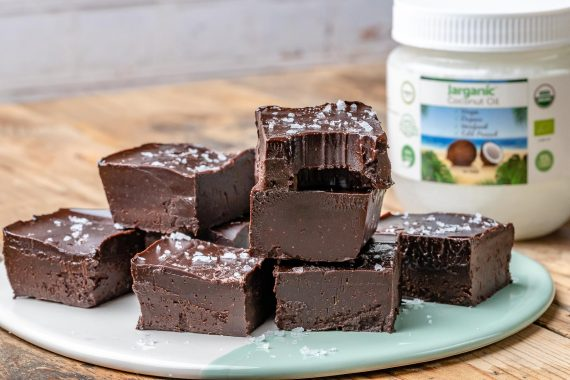 Easy Chocolate Fudge Recipe (Vegan & Paleo)-2