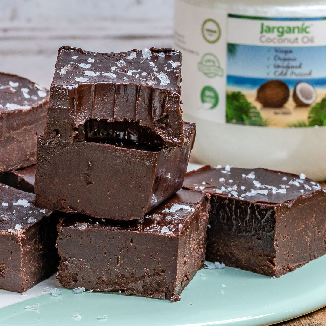 Easy Chocolate Fudge Recipe (Vegan & Paleo)