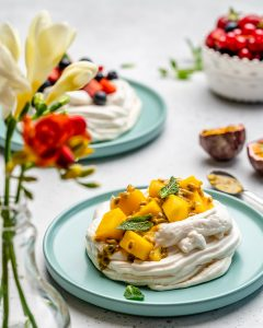 Easy Mini Pavlova Cake Recipe-25