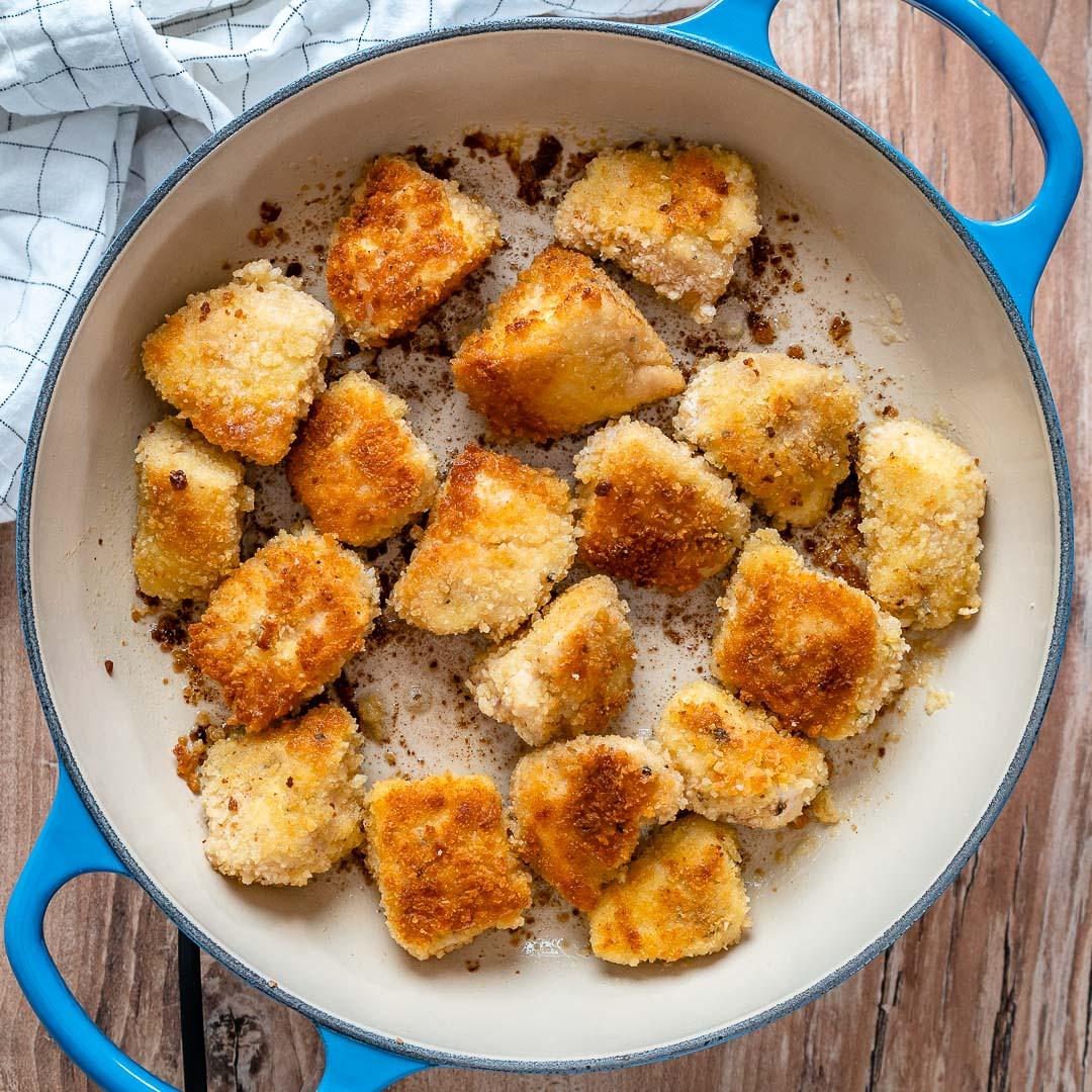Bouchées de poulet au beurre à l'ail avec asperges au citron-2