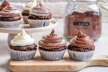Keto Chocolate Cupcakes With Cream Cheese Frosting - How To Make Chocolate Cupcakes From Scratch-23