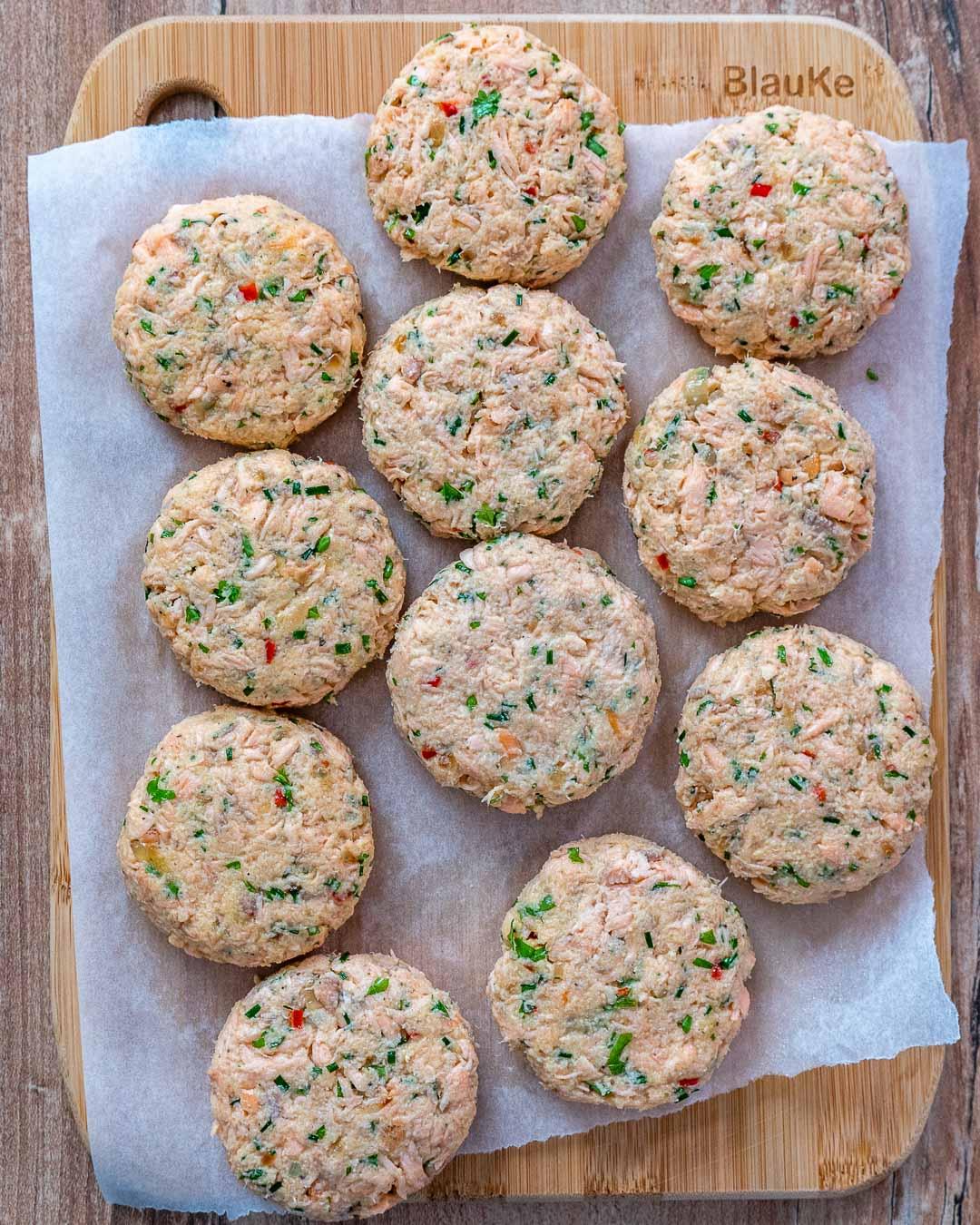 Recette de galettes de saumon faciles 2 façons (Keto | Sans gluten | Paleo | Whole30)