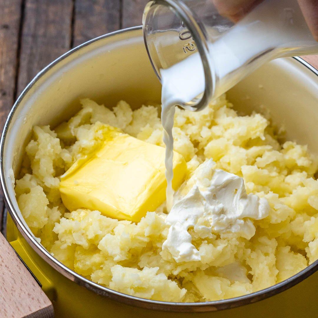 Reteta de Piure de Cartofi Pufos si Cremos 8