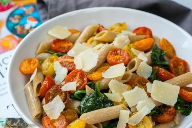 Spinach & cherry tomatoes pasta-8